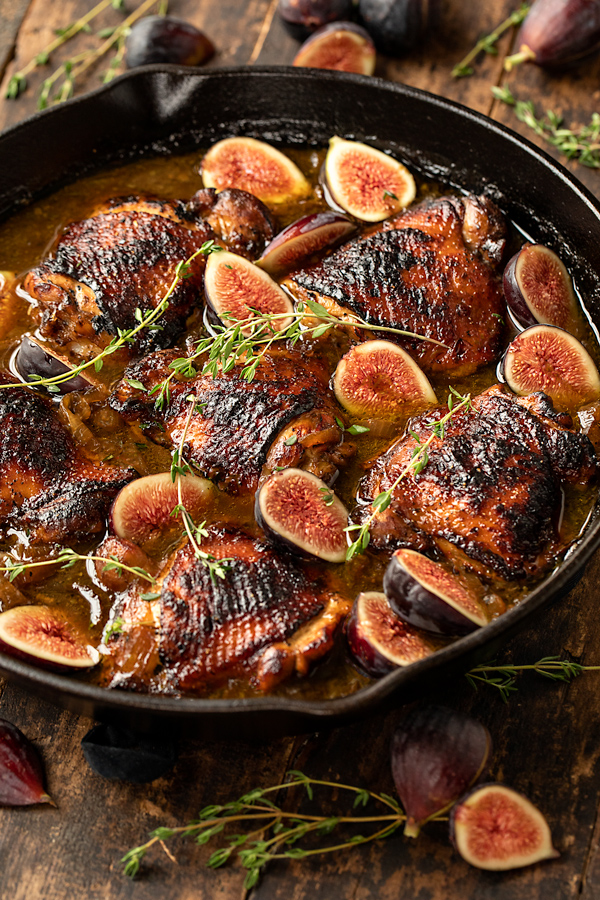 Balsamic Chicken with Figs | thecozyapron.com