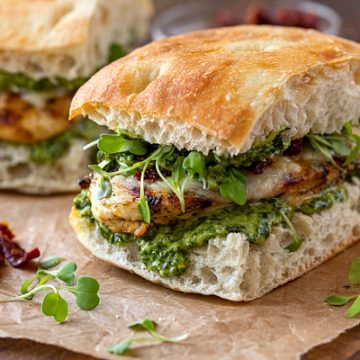 Grilled Chicken Sandwich with Pesto | thecozyapron.com