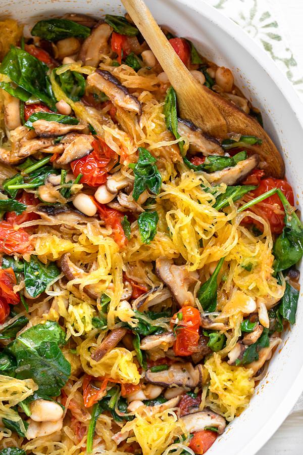 Spaghetti Squash with Sauteed Veggies in Pan | thecozyapron.com
