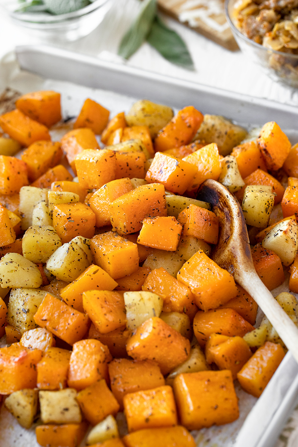 Freshly Roasted Butternut Squash and Apples for Butternut Squash Casserole | thecozyapron.com