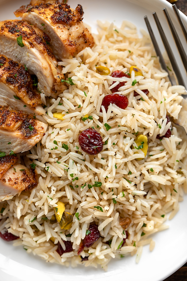 Rice Pilaf with Chicken | thecozyapron.com