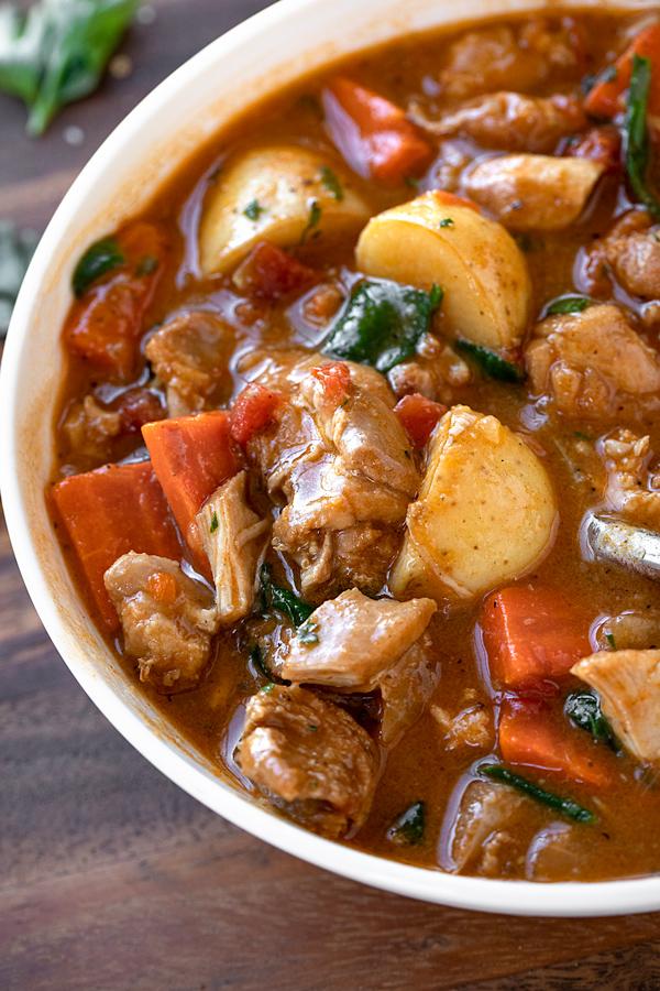 Chicken Stew | thecozyapron.com