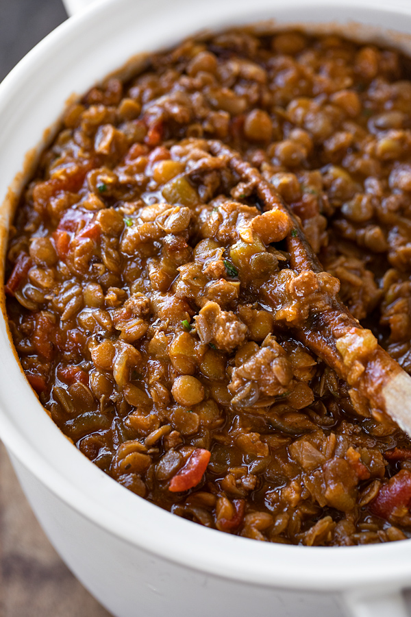 Lentil Chili in a Soup Pot | thecozyapron.com