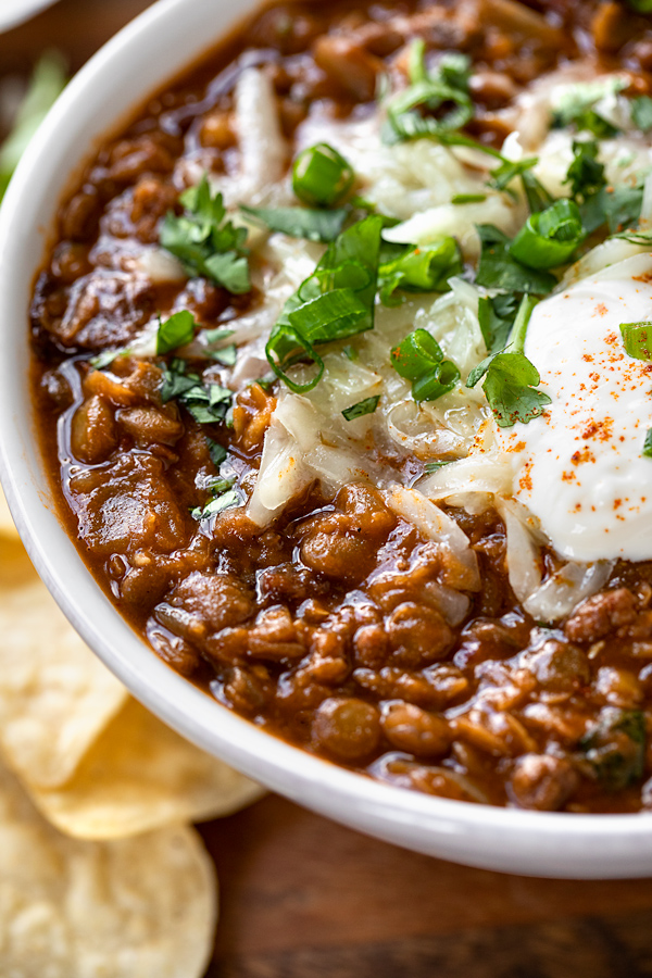 Lentil Chili with Toppings | thecozyapron.com