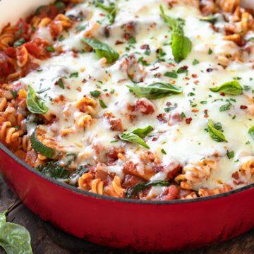 Vegetable Pasta with Mozzarella | thecozyapron.com