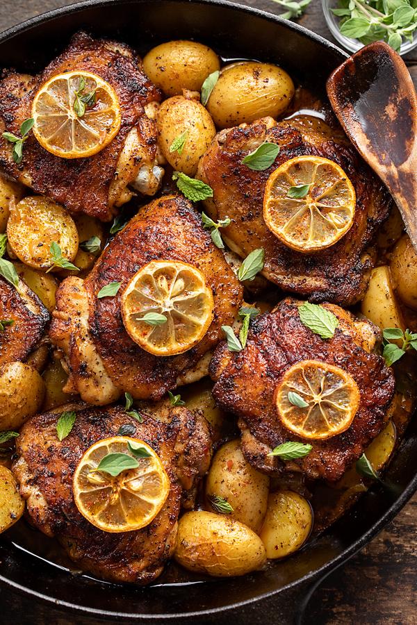 Harissa Chicken | thecozyapron.com