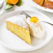 Olive Oil Cake | thecozyapron.com