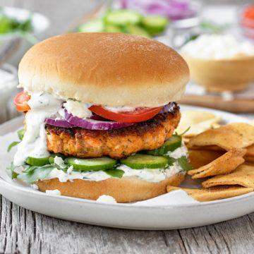 Mediterranean Salmon Burgers | thecozyapron.com