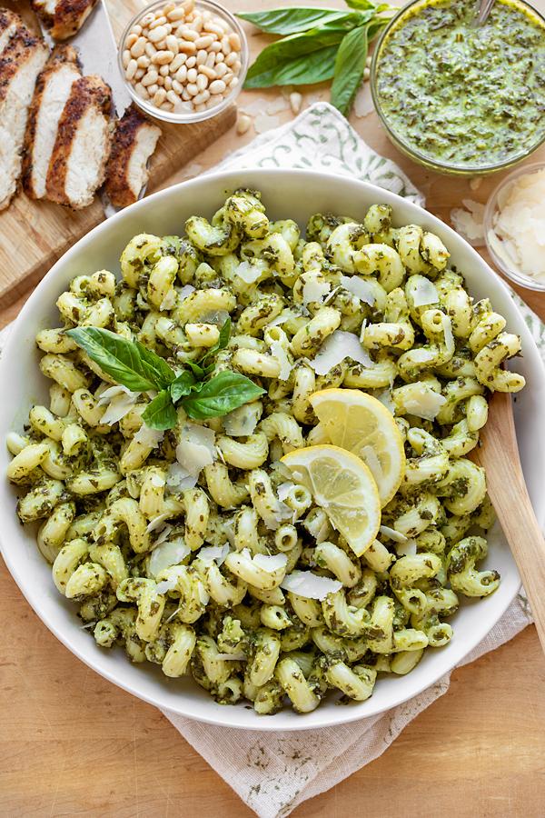 Pesto Pasta Salad | thecozyapron.com