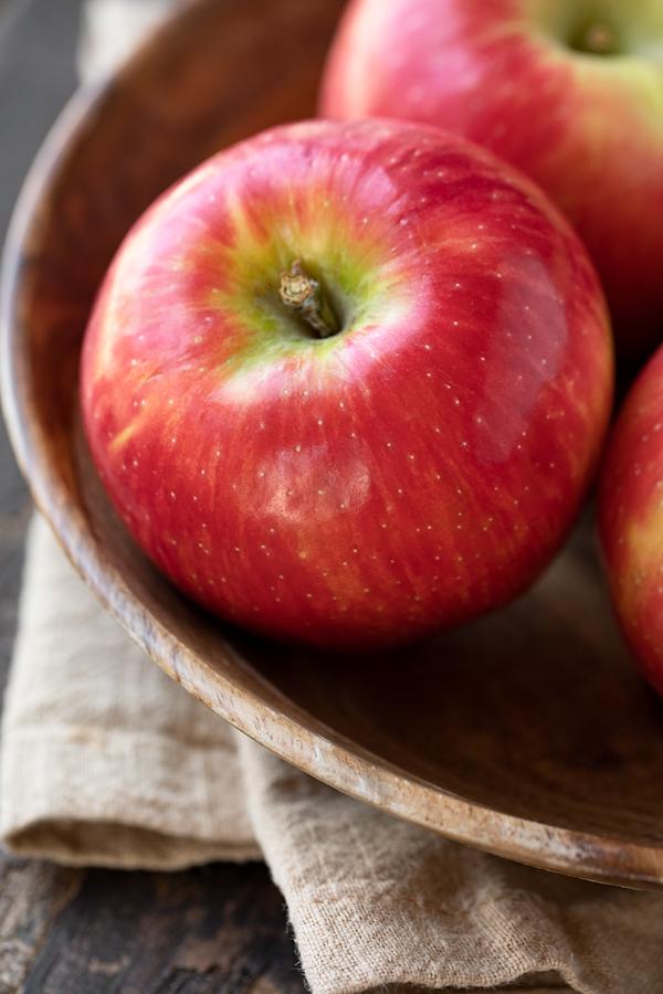 Honeycrisp Apples for Apple Coffee Cake   thecozyapron.com